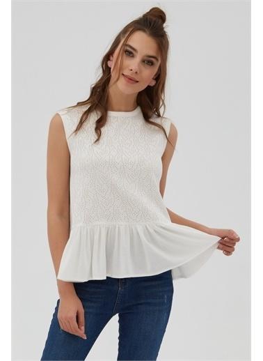 Pattaya Pattaya Kadın Fırfır Detaylı Kolsuz Dantelli Bluz P21S201-2064 Renkli